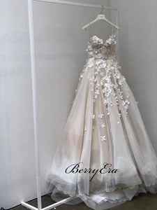 Appliques A-line Elegant Tulle Wedding Gown, Strapless Modest Bridal Gown