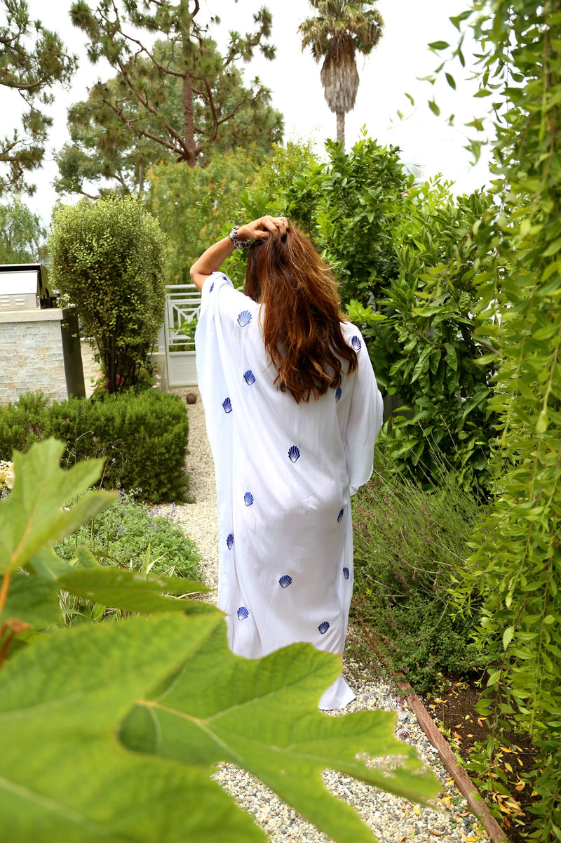 White Seashell Embroidered Kaftan