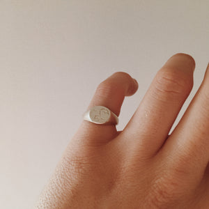 'Luna' signet ring - By James Wilson
