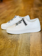Load image into Gallery viewer, Lafay Sneaker White - Black & White