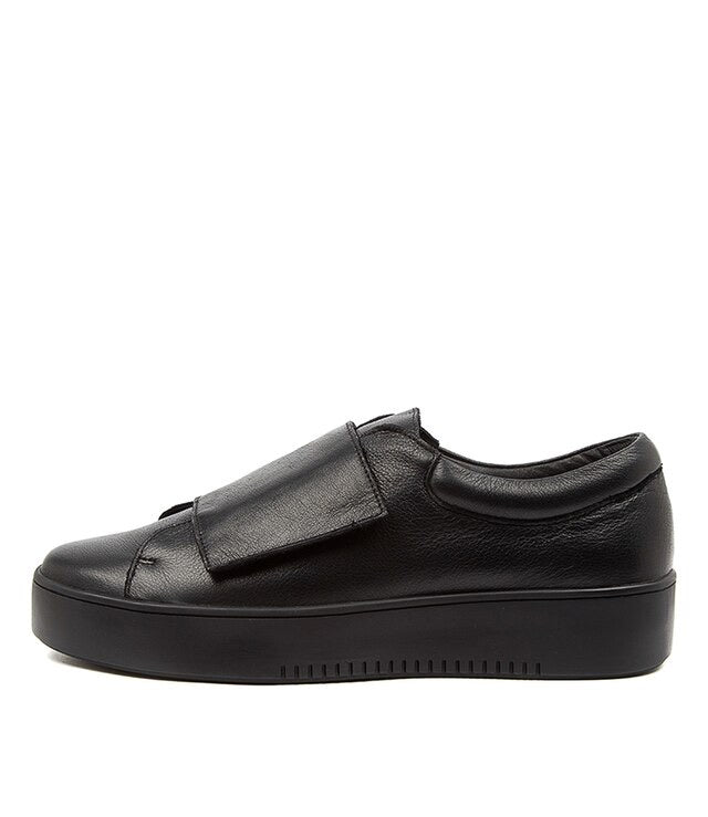 Locks Sneaker - Black/Black Sole