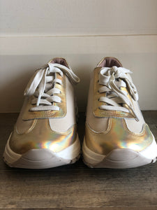 Venny Sneakers - Gold Hologram-Nougat