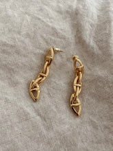 Load image into Gallery viewer, Lois Drop Luxe Earrings - Gold