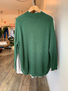 High Neck Curved Pullover - Green