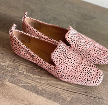 Load image into Gallery viewer, Chasey Loafer - Nude Speckle Pony