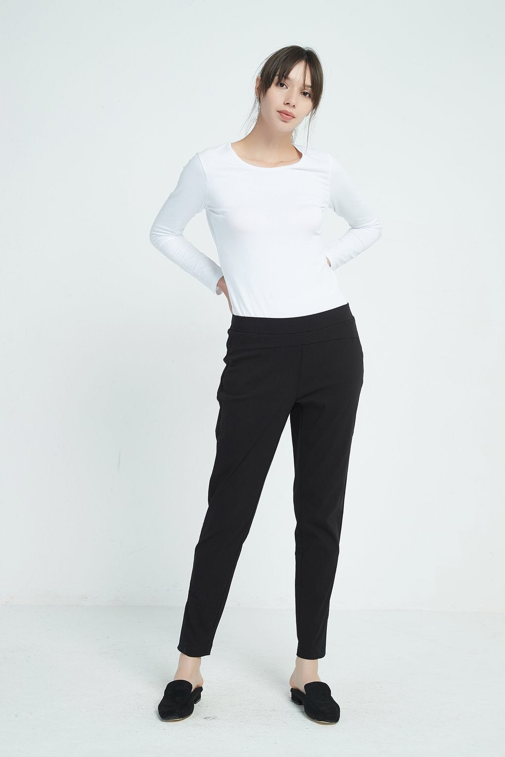 Straight Leg 7/8 Pants - Black