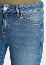 Load image into Gallery viewer, Alissa Jeans - Dark Stretch (28 inch leg)