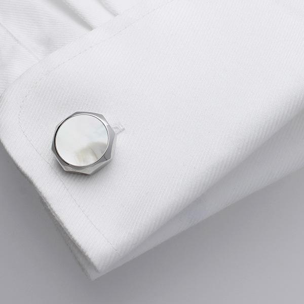 Beautiful timeless Mother of Pearl cufflinks.