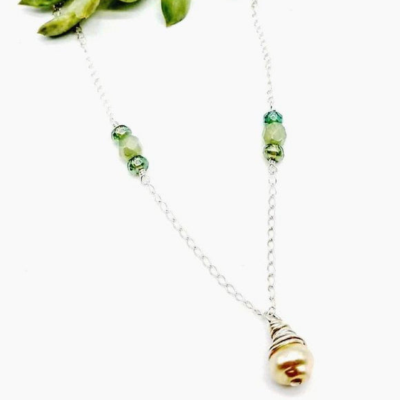 artglass bead necklace in green by impromptu jewelry