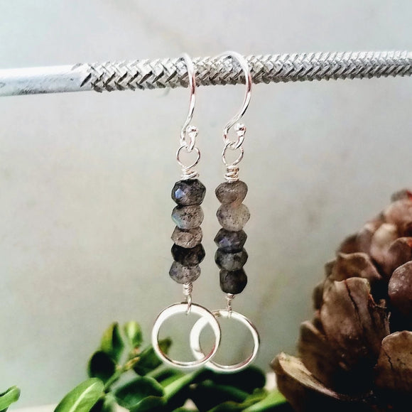 labradorite and silver earrings handmade by impromptu jewelry