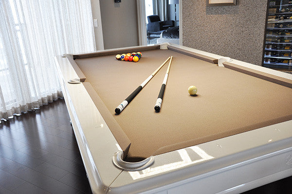 La Condo Venus Dining Pool Table rail