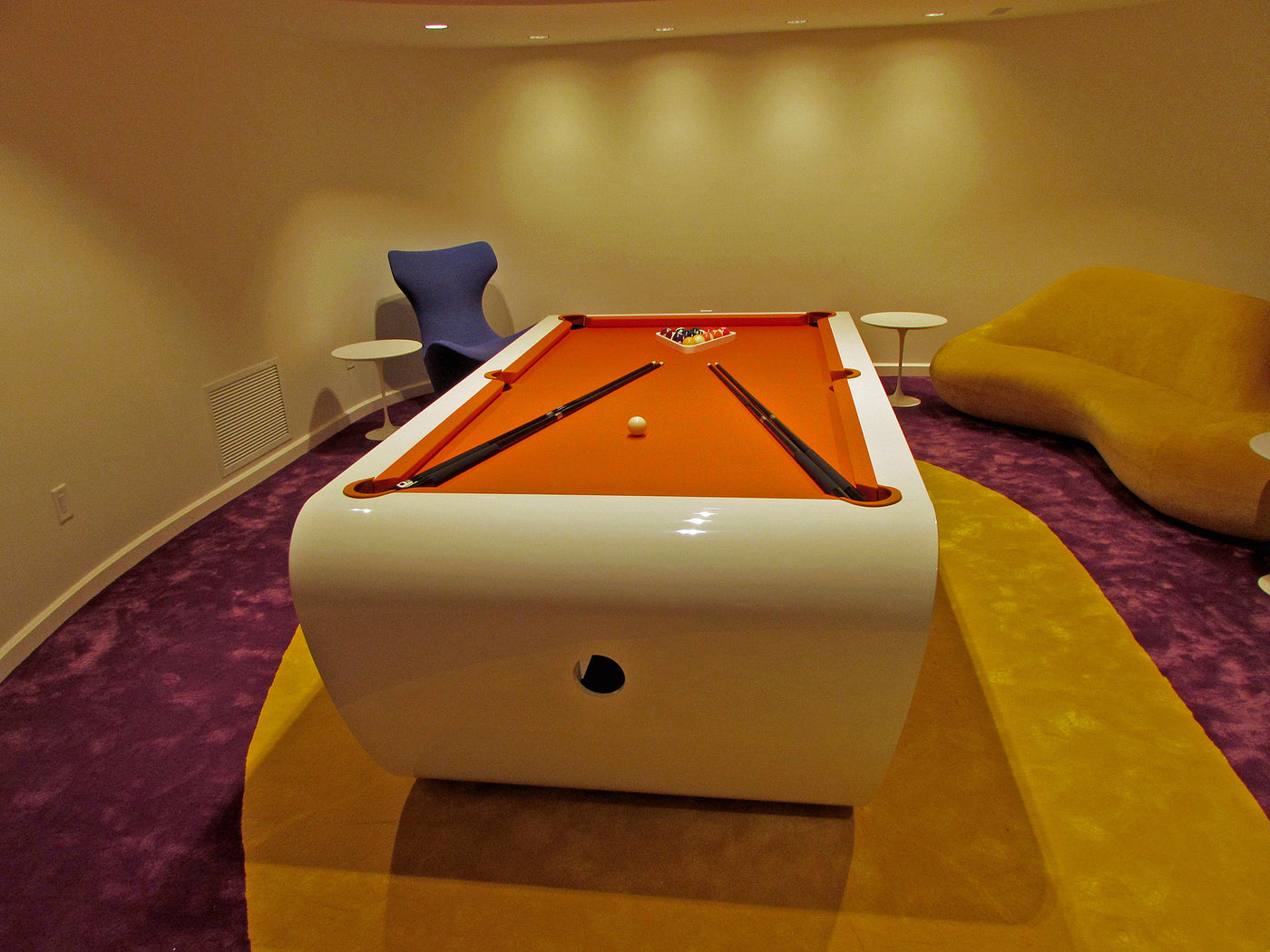 Good Billard Toulet Black Light Pool Table