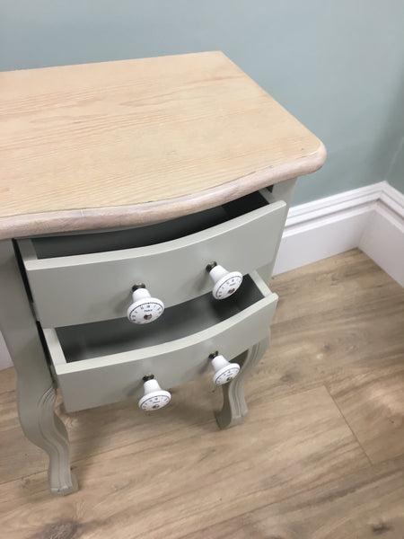 Small cabinet with two drawers.