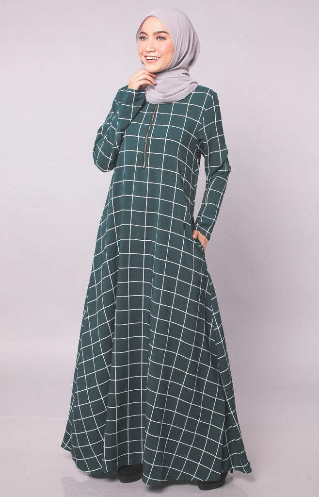 Box Line Dark Green Abaya