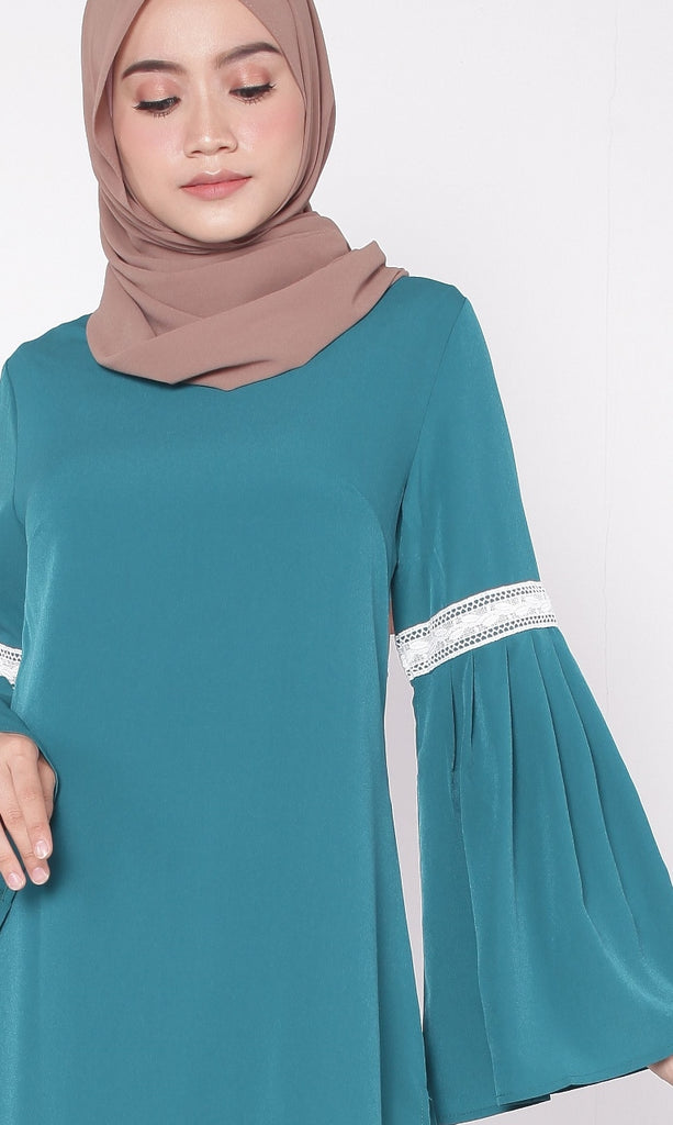 Turquoise Lace Pleated Trumpet Tunic Abaya