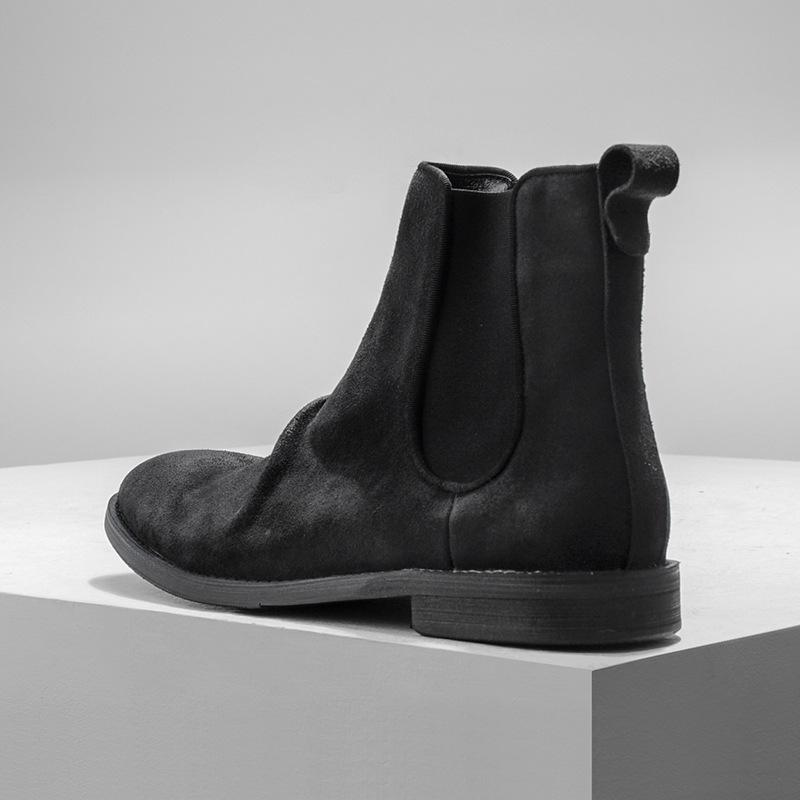 Front Wrinkled Leather Chelsea Boots