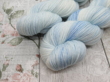 Load image into Gallery viewer, Silver Sparkle 4ply 100g in Frost colourway