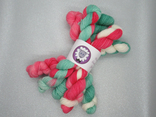 Merino Singles 20g Mini skeins in Christmas colours