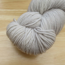 Load image into Gallery viewer, MCN 4ply 100g in soft grey colourway