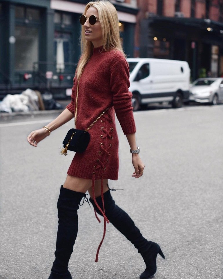 Midi length is another popular option for knitted dresses.