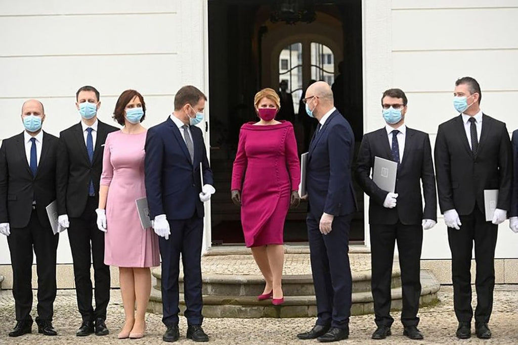 Even politicians, using masks, do not forget about style