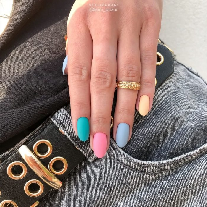 If your soul asks for brightness, feel free to combine the whole rainbow on your nails at once!