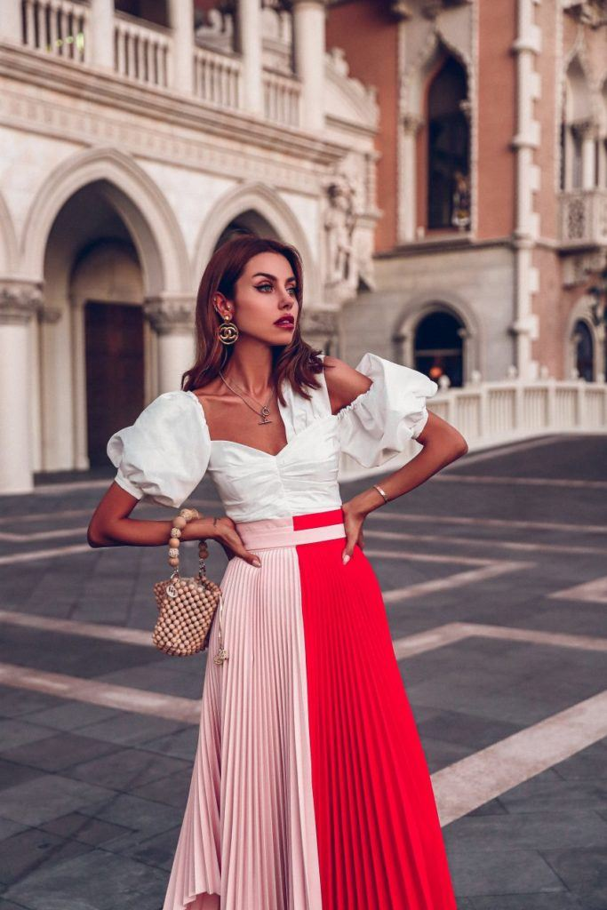 cute ruffles and ruffles are gaining popularity in clothing 2021-2022