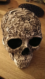 Load image into Gallery viewer, Decorative Skull Hopikas