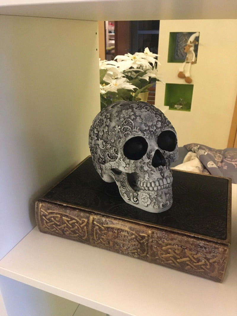 Decorative Skull Hopikas
