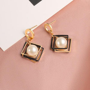Geometric Earring Hopikas White 4