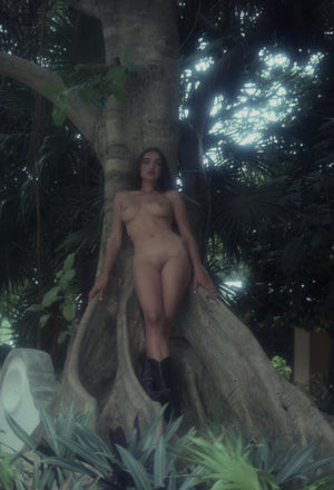 Sasha Vinni naked under tree