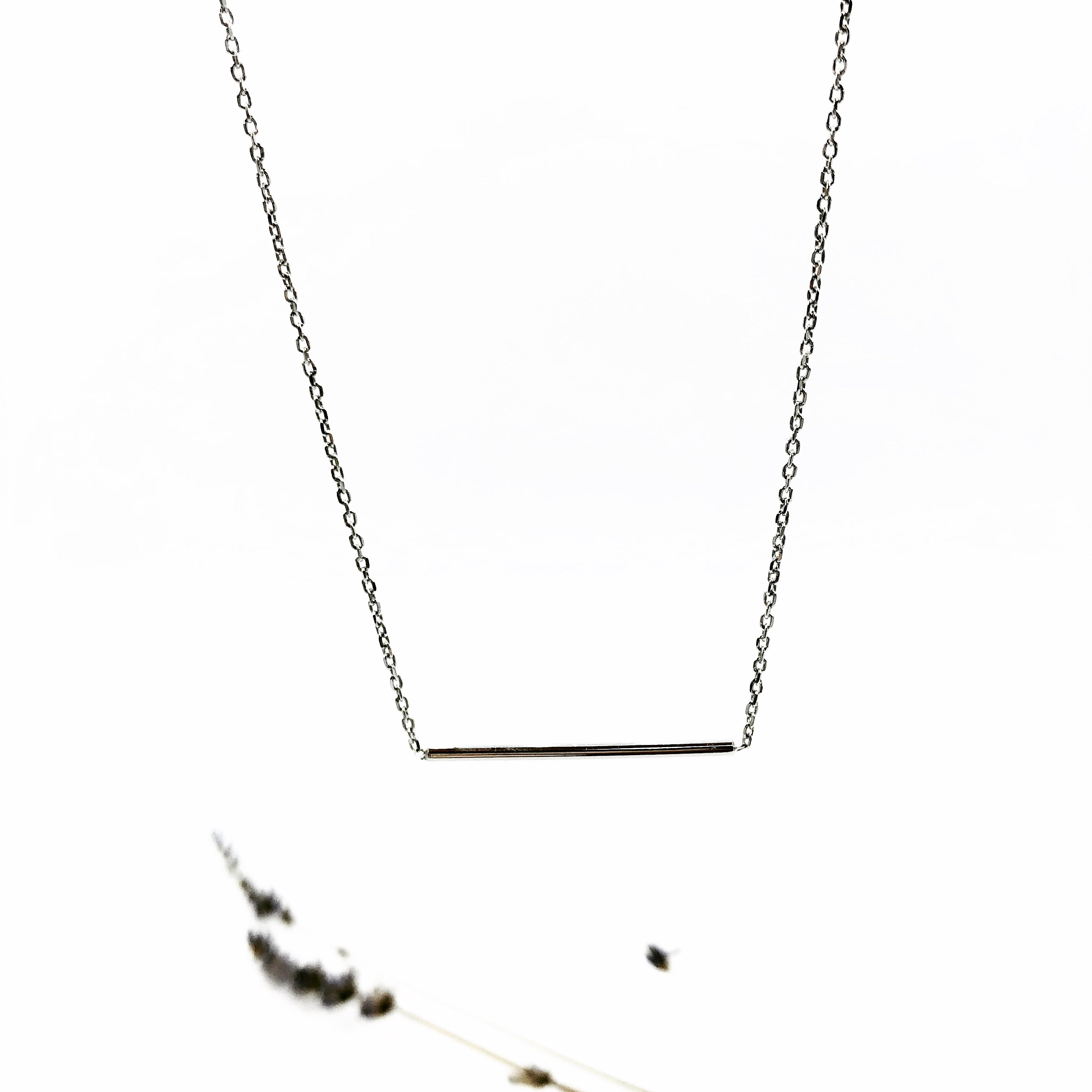 Pia Bar Necklace