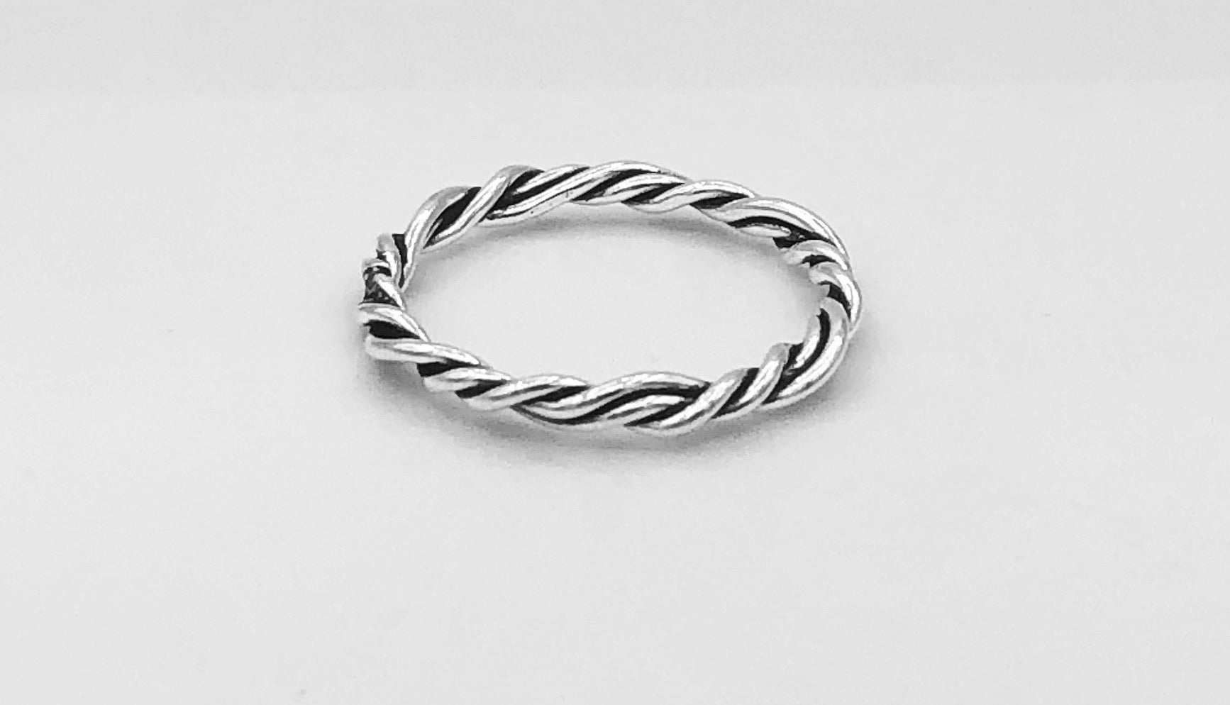 Ava Twisted Ring