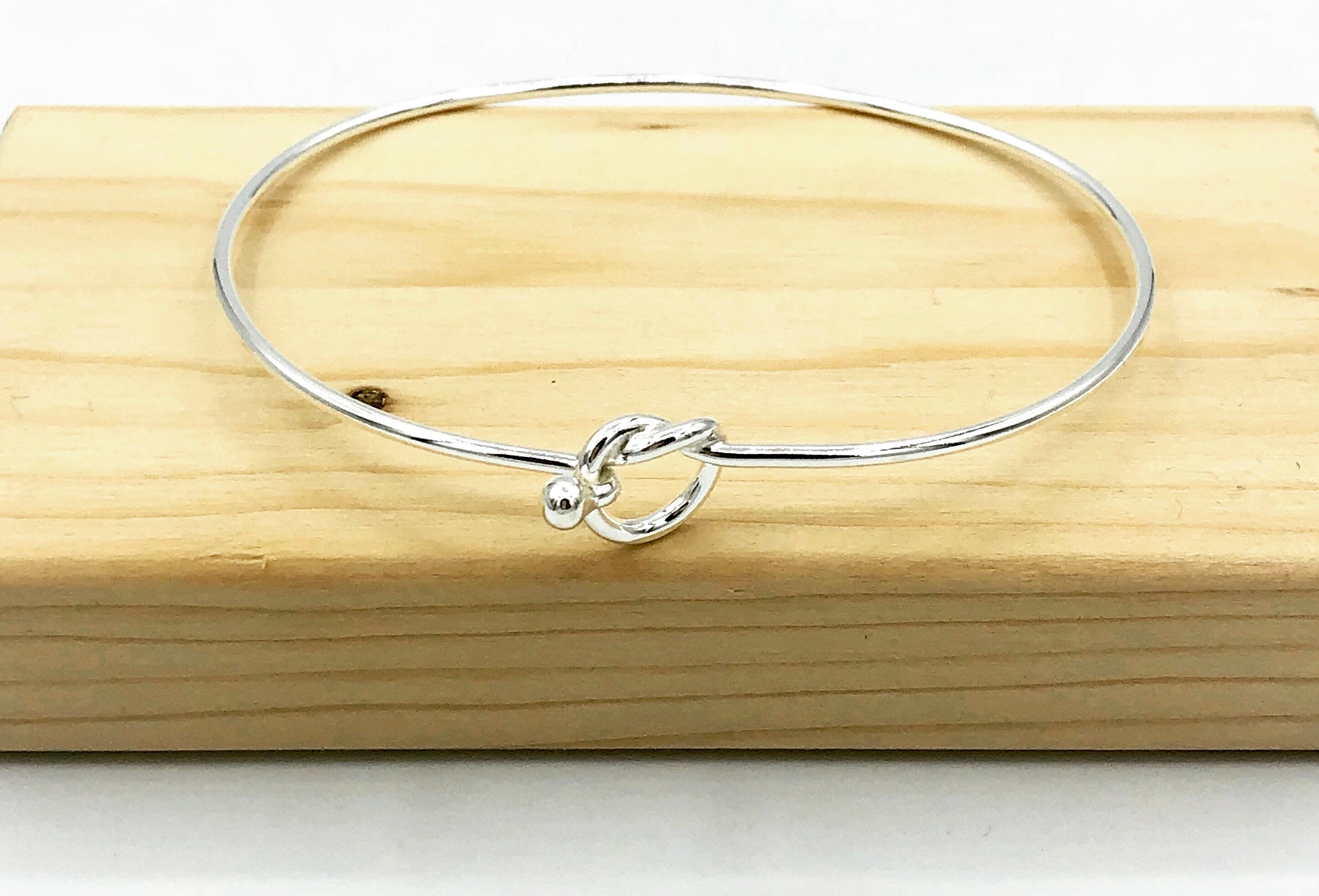 Hanna Love Knot Bangle