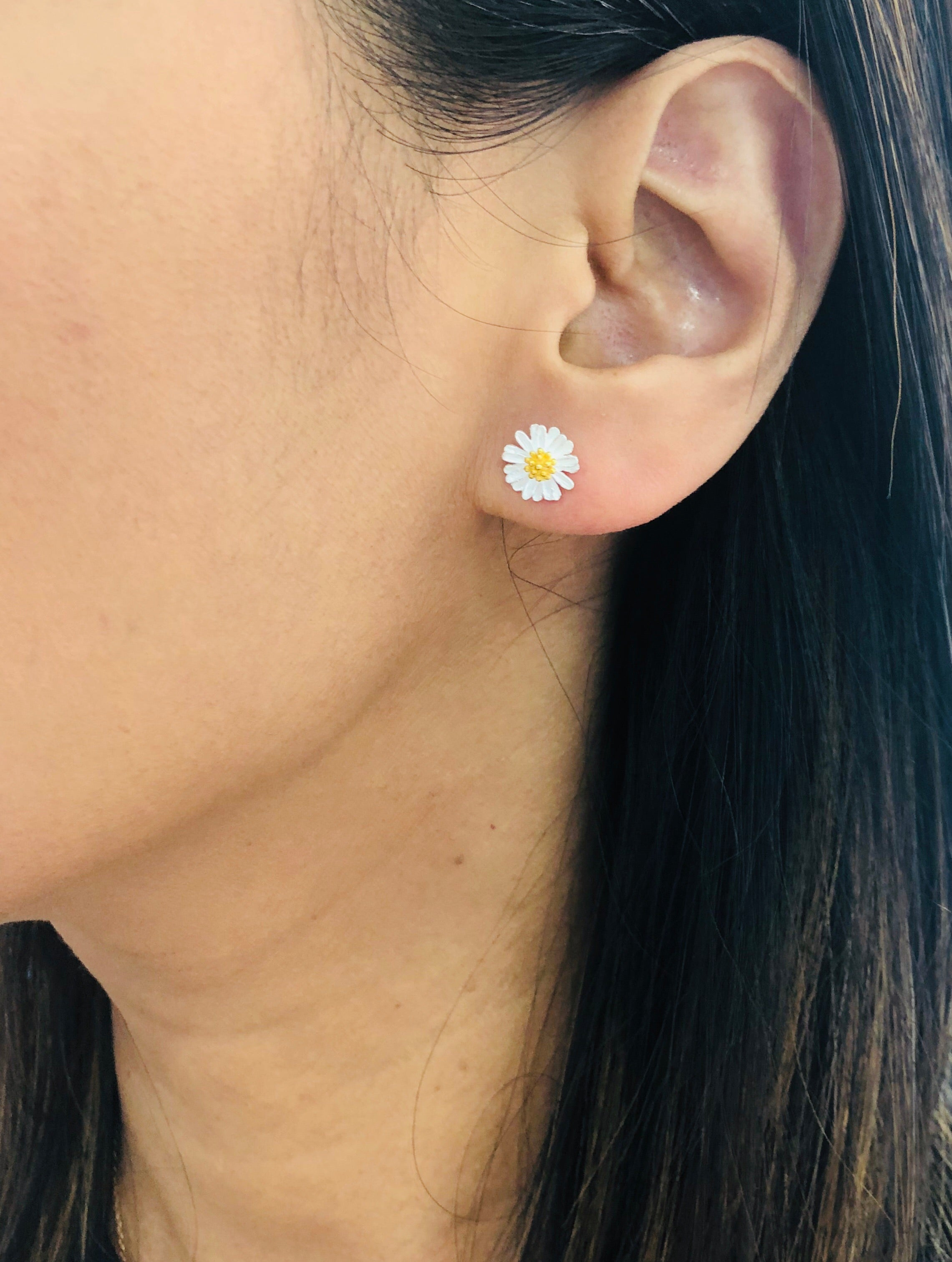 Lily Chamomile Stud Earrings