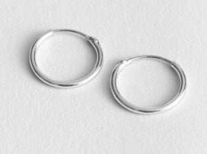 Isabela Mini Classic Hoop Earrings