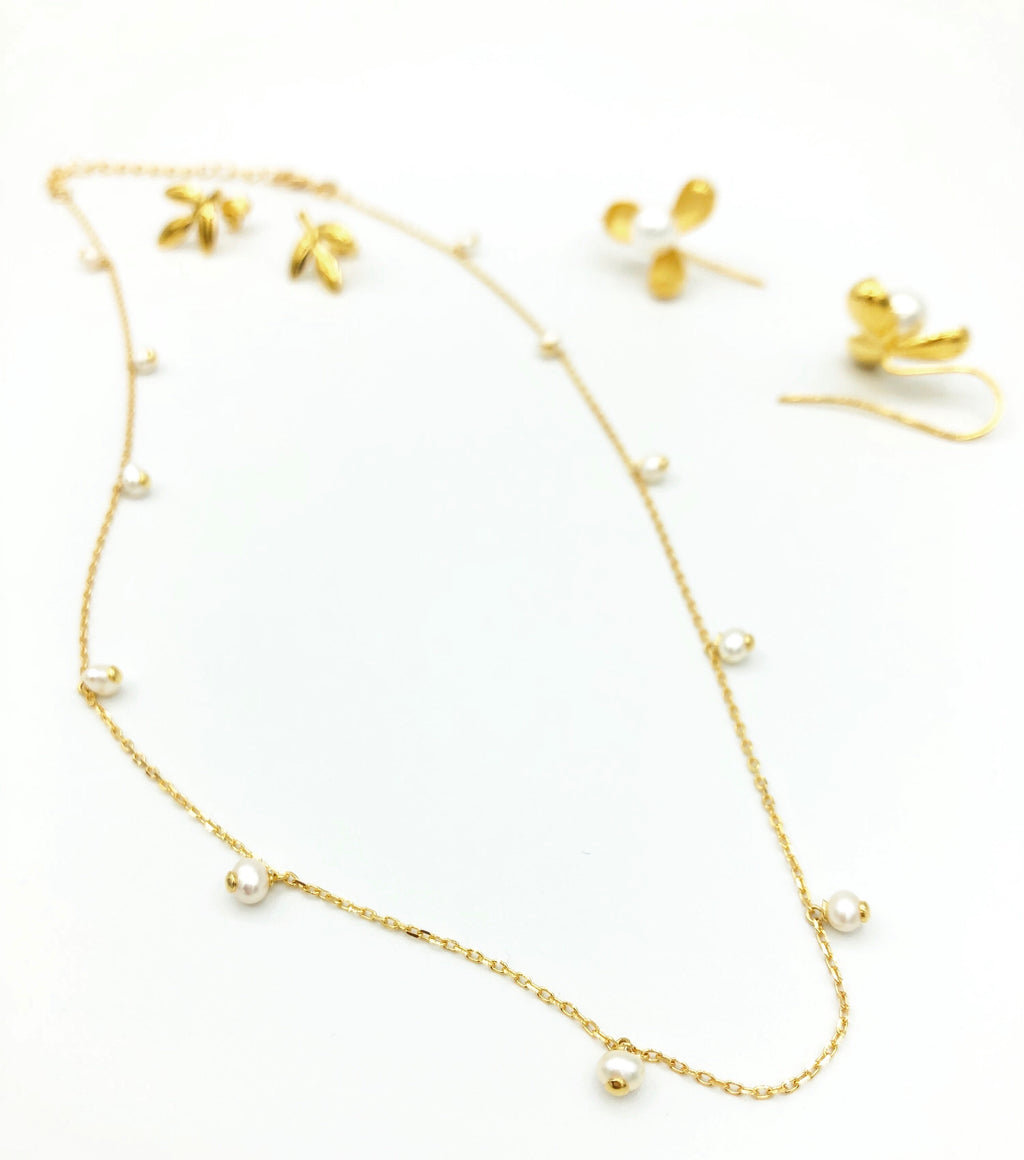 Kirsten Pearl Droplets Necklace