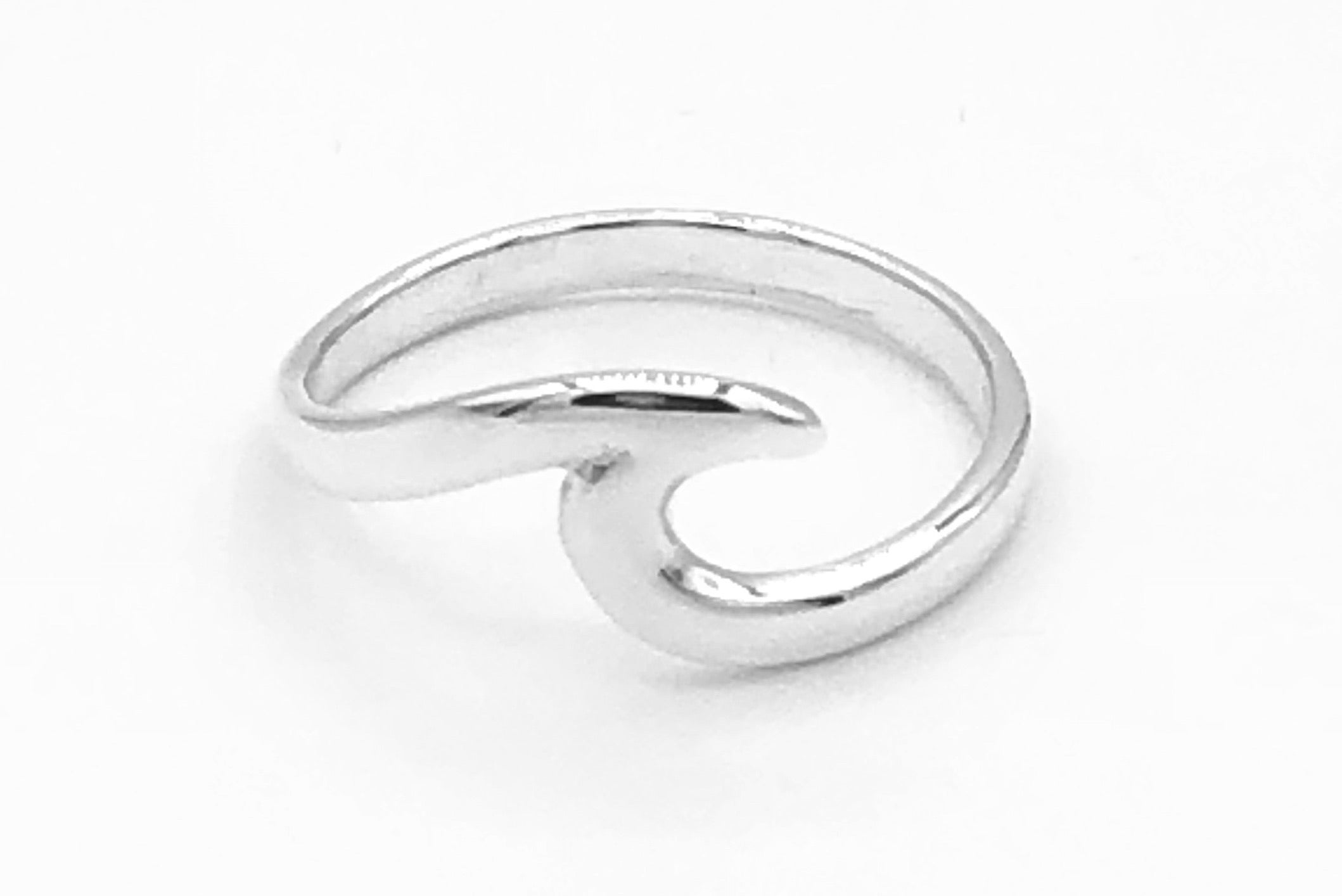 Pamela Wave Ring
