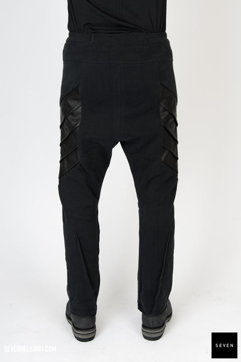 LEATHER DETAIL SWEATPANT
