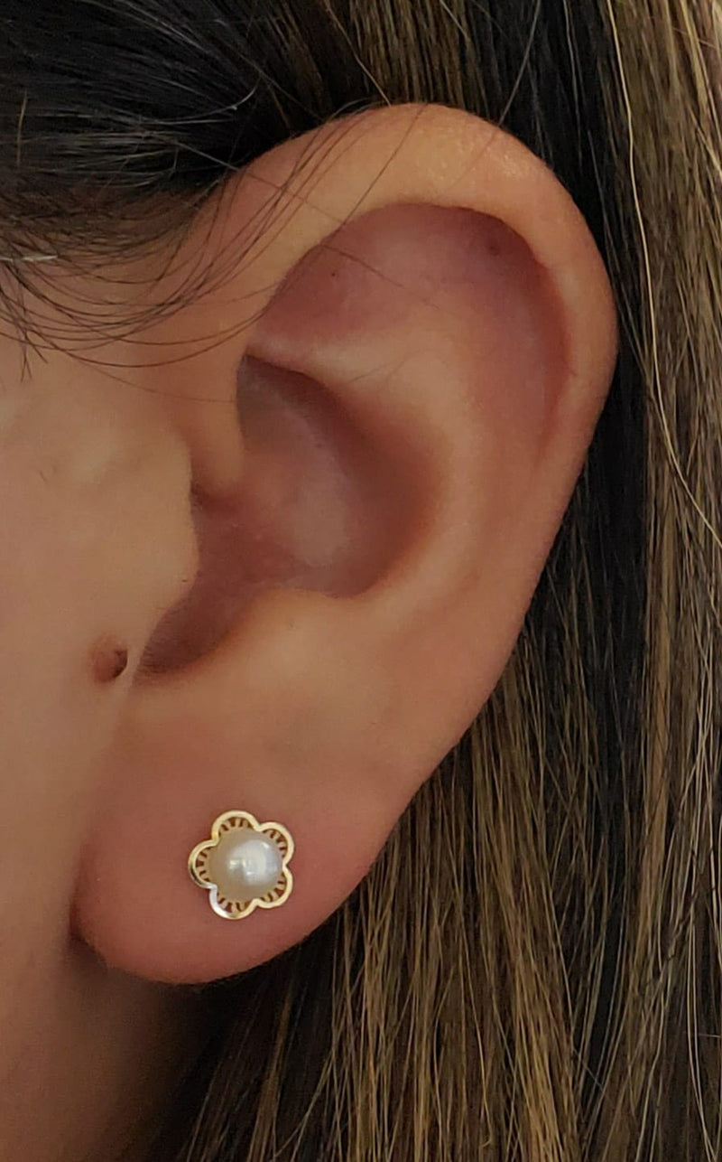 Flower with Pearl Center Earring in 14KY Gold