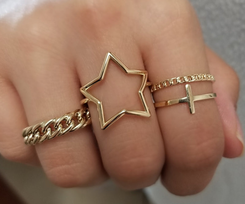 Open Star Ring Crafted 14K Yellow Gold