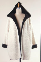 Load image into Gallery viewer, Sherpa 2 in 1 Hooded Coat