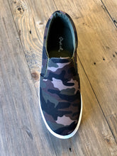 Load image into Gallery viewer, Camo Sneakers Slides