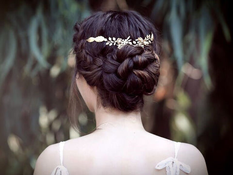 With any trendy, bohemian bride, a Swarovski bridal head chain is the perfect bridal hair accessory
