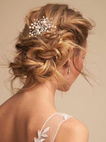 If you prefer a no-frills option, you can choose from plenty of cheap wedding hair accessories. Many brides opt for inexpensive bridal hair accessories as their second or third change throughout their wedding day