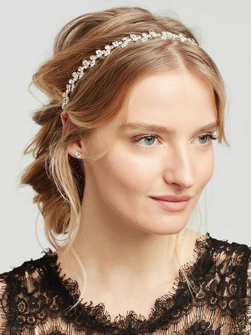 You will not worry when using an ethereal flower headband that is a sweet touch for any season (even winter). It looks simple but the etched flower accents here are absolutely lovely