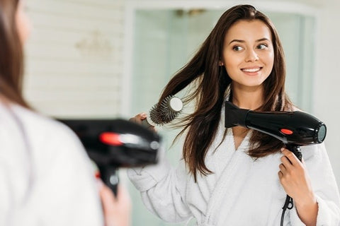 Smart Tips To Use A Hairdryer That Not Everyone Knows