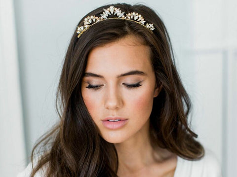 If you're looking for small and elegant wedding hair accessories, this delicate wedding halo headband is a great choice