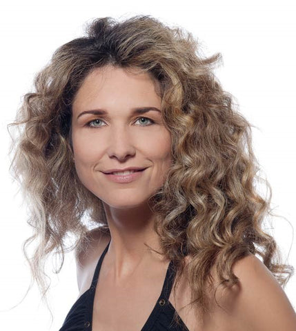 women over 40 hairstyle Long loose curly hairstyle