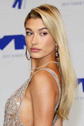Hailey Baldwin Hairstyles, Hollywood's Young Beauty Icons